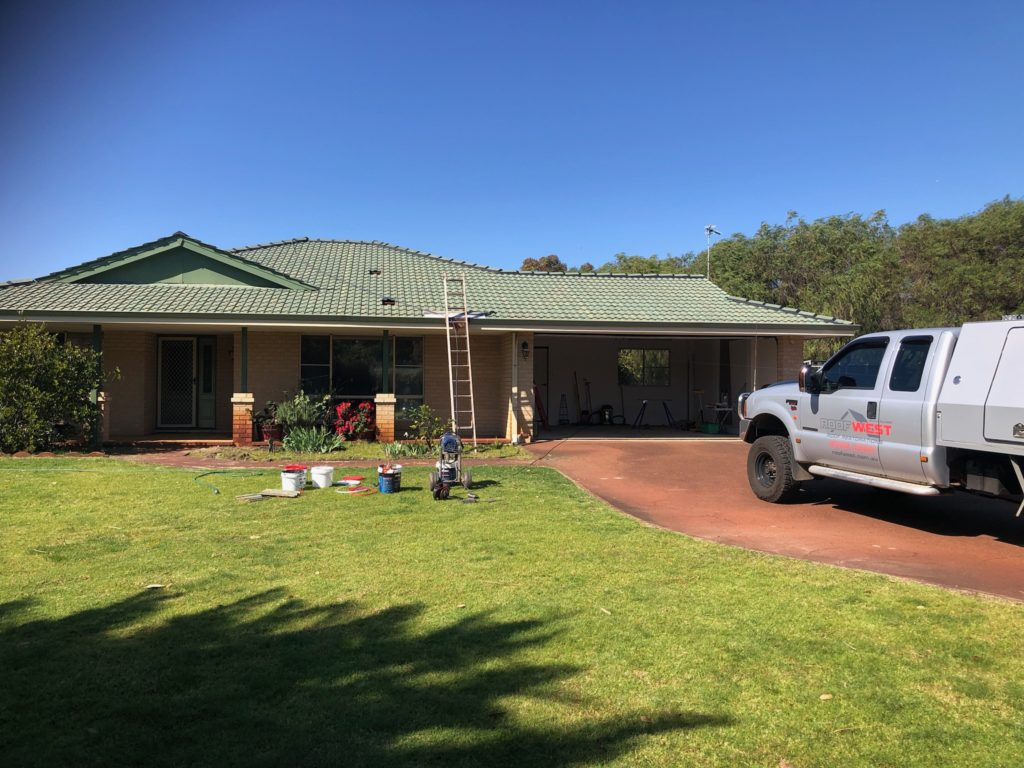 Faded roof in Australind that needs repainting